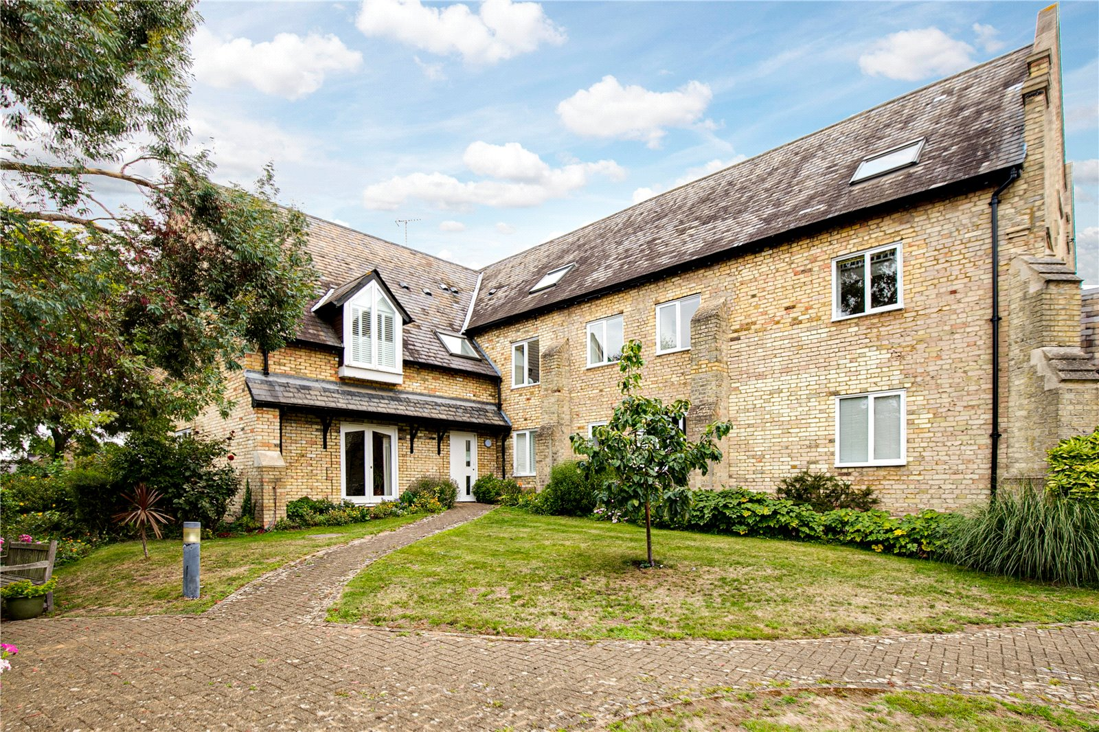 Apartment on Richmond Hill with no stamp duty